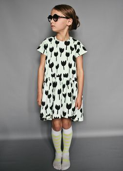 Beau LOves - Oversized dress, tulips, pale lime
