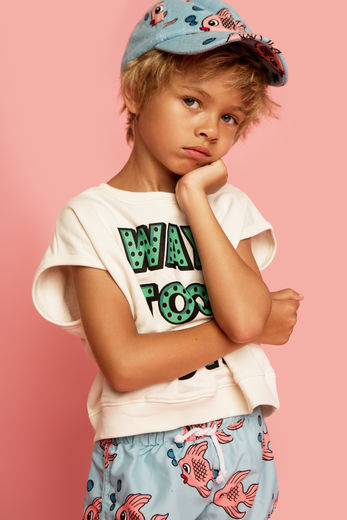 Hugo loves Tiki - Short Sleeve Sweatshirt, Way Too Cute